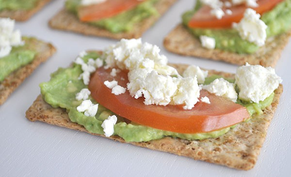 Healthy-After-School-Snack-Idea-Avocado-tomato-and-feta-cracker-600x365-a37993.jpg
