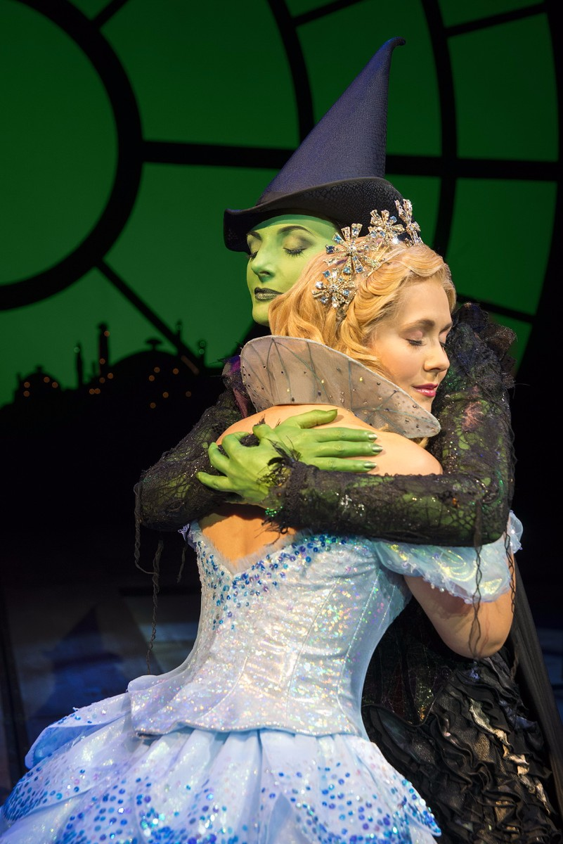 Wicked-UK-International-Tour_Willemijn-Verkaik-and-Savannah-Stevenson_Photo-Matt-Crockett_4487_RT-25fcc9.jpg