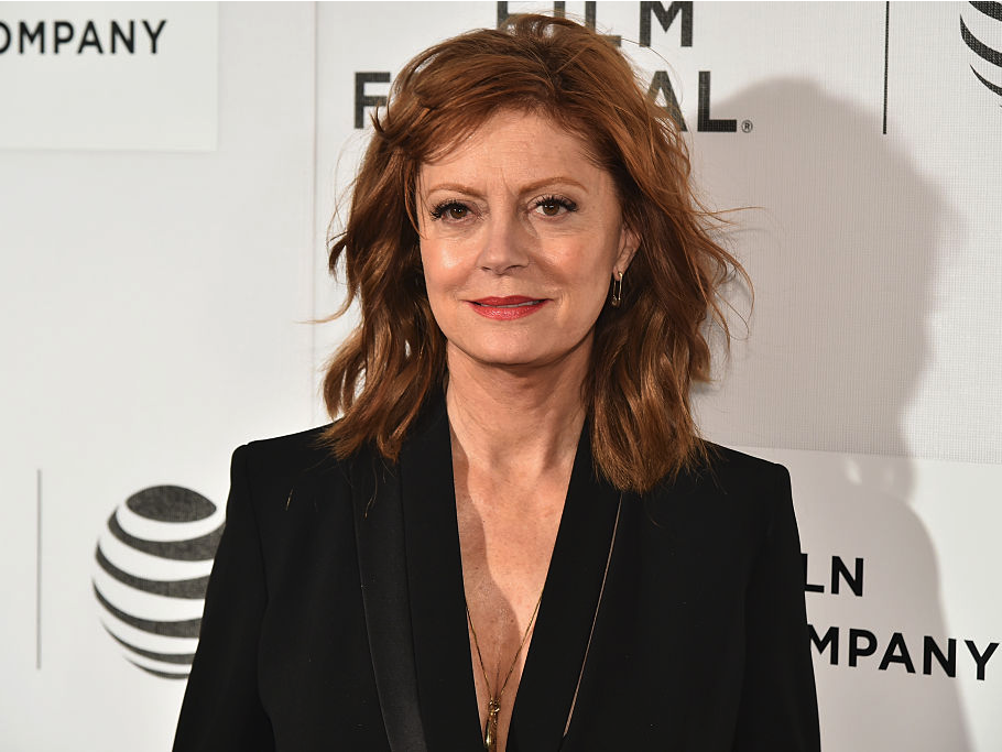 susan-sarandon-explains-why-shes-not-backing-hillary-clinton-i-dont-vote-with-my-vagina.jpg-0141ae.png